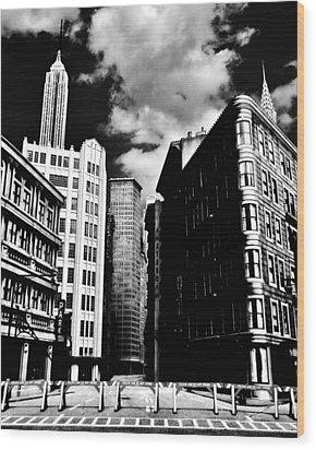 Manhattan Highlights B W Wood Print by Benjamin Yeager