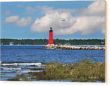 Manistique Lighthouse Wood Print by Christina Rollo