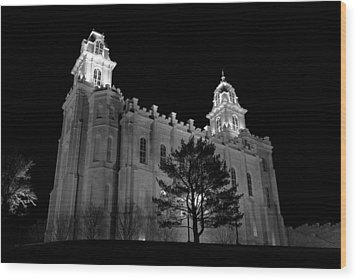 Manti Temple Black And White Wood Print by David Andersen