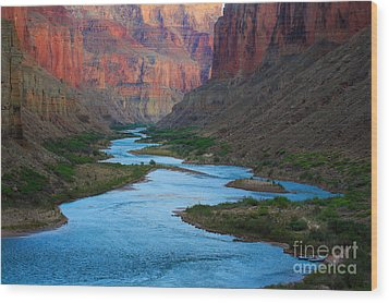 Marble Canyon Rafters Wood Print by Inge Johnsson