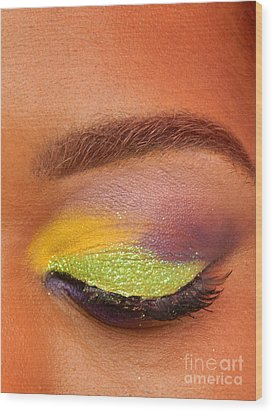 Mardi Gras 2014 Eye See Colors Of Mardi Gras Wood Print