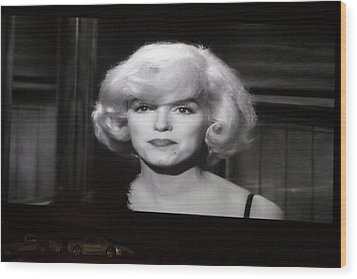 Marilyn Monroe At The Drive In Theater Wood Print by Linda Phelps