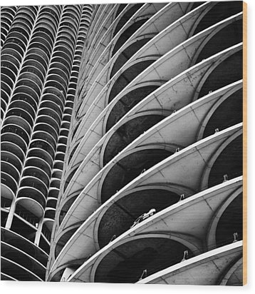 Marina City - Chicago 3 Wood Print by Niels Nielsen