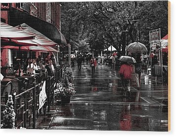 Market Square Shoppers - Knoxville Tennessee Wood Print by David Patterson