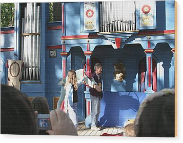 Maryland Renaissance Festival - A Fool Named O - 121215 Wood Print by DC Photographer