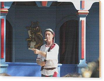 Maryland Renaissance Festival - A Fool Named O - 121227 Wood Print by DC Photographer