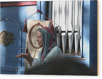 Maryland Renaissance Festival - A Fool Named O - 12127 Wood Print by DC Photographer