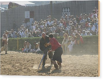 Maryland Renaissance Festival - Jousting And Sword Fighting - 121297 Wood Print by DC Photographer