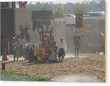 Maryland Renaissance Festival - Jousting And Sword Fighting - 121298 Wood Print by DC Photographer
