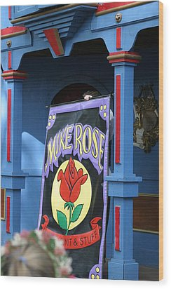 Maryland Renaissance Festival - Mike Rose - 12121 Wood Print by DC Photographer