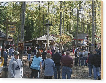 Maryland Renaissance Festival - People - 12121 Wood Print by DC Photographer