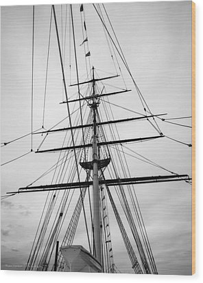 Wood Print featuring the photograph Masts Of The Cutty Sark by Ross Henton