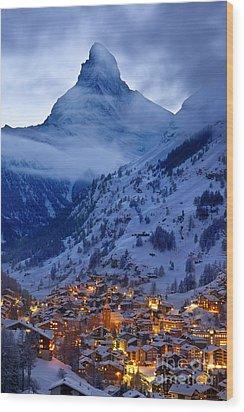 Matterhorn At Twilight Wood Print by Brian Jannsen