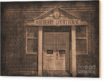 Mayberry Courthouse Wood Print by David Arment