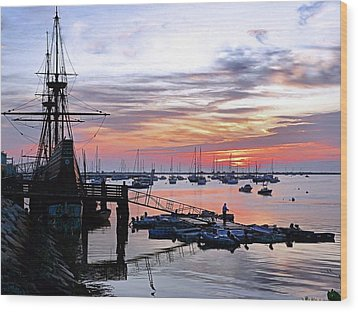 Mayflower II At Sunrise Wood Print by Janice Drew