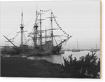 Wood Print featuring the photograph Mayflower II by John Hoey