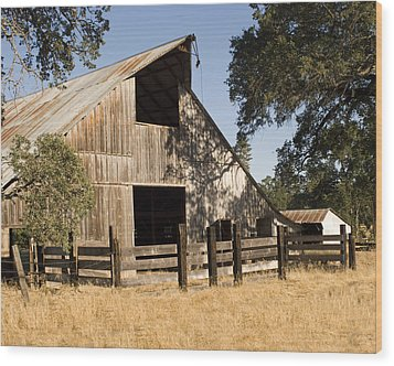 Wood Print featuring the photograph Mccourtney Barn  by William Havle