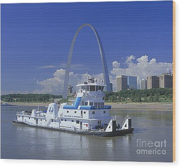 Memco Towboat In St Louis Wood Print