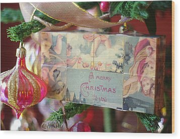 Wood Print featuring the photograph Merry Christmas Greeting by Suzanne Powers
