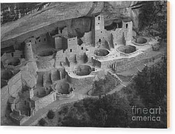 Mesa Verde Monochrome Wood Print by Bob Christopher