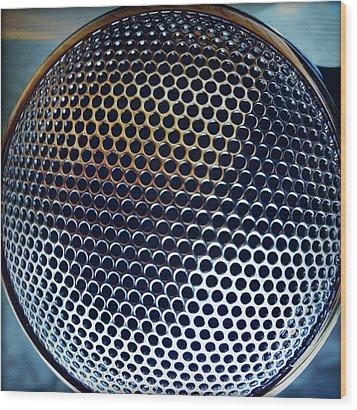Metal Mesh Wood Print by Les Cunliffe