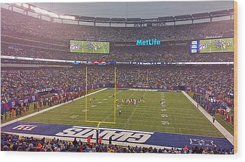 Metlife Stadium And New York Giant Wood Print by Juergen Roth