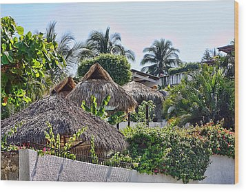 Mexican Thathed Roofs Wood Print by Linda Phelps