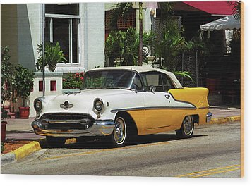 Miami Beach Classic Car With Watercolor Effect Wood Print by Frank Romeo
