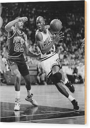 Michael Jordan Driving To The Basket Wood Print by Retro Images Archive