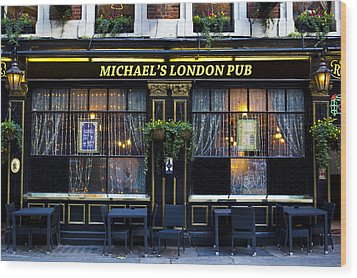 Michael's London Pub Wood Print by David Pyatt