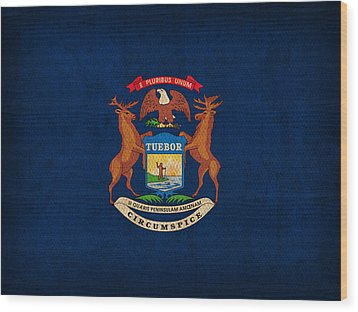 Michigan State Flag Art On Worn Canvas Wood Print