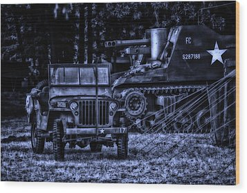 Midnight Battle And All Is Quite On The Front Lines Wood Print by Thomas Woolworth