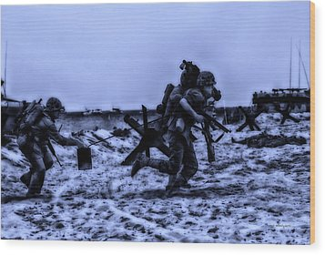 Midnight Battle Stay Close Wood Print by Thomas Woolworth
