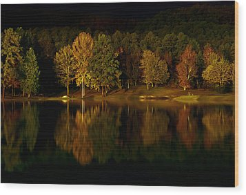 Midnight On The Lake Wood Print by Linda Unger