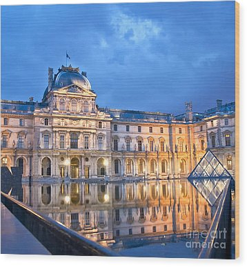 Midnight Reflection At The Louvre Wood Print