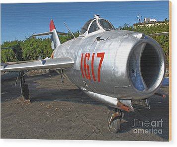 Mikoyan-gurevich Fresco Mig-17 Wood Print by Gregory Dyer