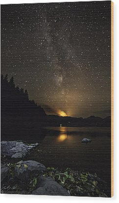 Milky Way At Crafnant Wood Print by Beverly Cash