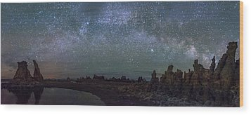 Milky Way At Mono Lake Wood Print by Cat Connor