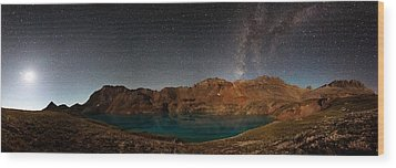 Milky Way Dreams At Columbine Lake Wood Print by Mike Berenson