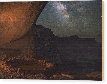 Milky Way Skies From False Kiva Wood Print by Mike Berenson