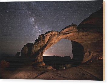 Milkyway Over Broken Arch Wood Print