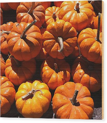 Mini Fall Pumpkins Wood Print by Denyse Duhaime