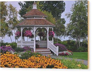 Mission Point Resort Gazebo On Mackinac Island Wood Print