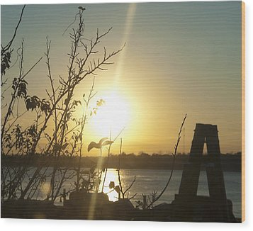 Wood Print featuring the photograph Mississippi River Sunset by Ray Devlin