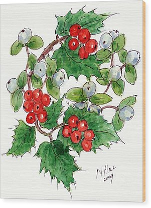 Mistletoe And Holly Wreath Wood Print by Nell Hill