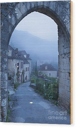 Misty Dawn In Saint Cirq Lapopie Wood Print by Brian Jannsen