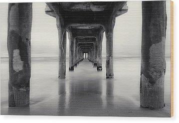 Misty Manhattan Pier Wood Print