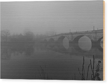 Misty Richmond Bridge Wood Print by Maj Seda