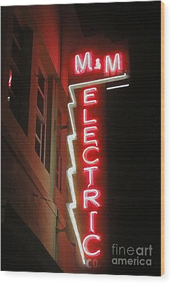 Mm Electric Sign At Night Wood Print by Gregory Dyer
