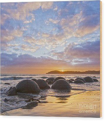 Moeraki Boulders Otago New Zealand Sunrise Wood Print